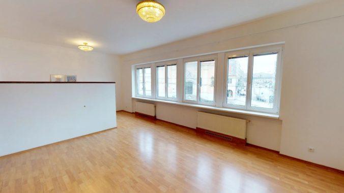NL-REAL-ponuka-na-predaj-VELKY-2-izbovy-byt-v-UPLNOM-CENTRE-HURBANOVO-NAMESTIE-03162018_161544