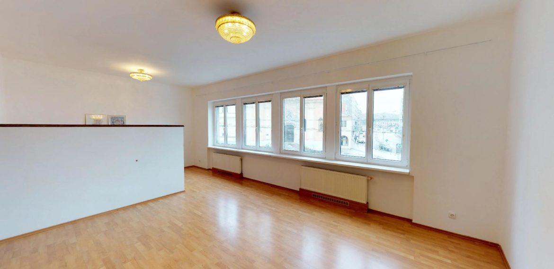 NL-REAL-ponuka-na-predaj-VELKY-2-izbovy-byt-v-UPLNOM-CENTRE-HURBANOVO-NAMESTIE-03162018_161620