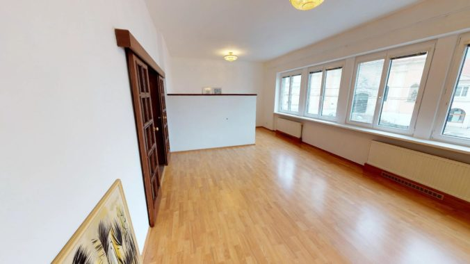 NL-REAL-ponuka-na-predaj-VELKY-2-izbovy-byt-v-UPLNOM-CENTRE-HURBANOVO-NAMESTIE-03162018_161631