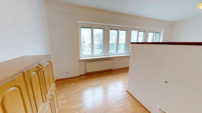 NL-REAL-ponuka-na-predaj-VELKY-2-izbovy-byt-v-UPLNOM-CENTRE-HURBANOVO-NAMESTIE-03162018_161717