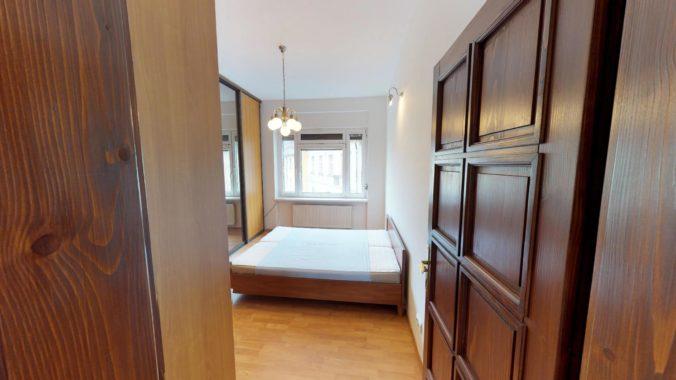NL-REAL-ponuka-na-predaj-VELKY-2-izbovy-byt-v-UPLNOM-CENTRE-HURBANOVO-NAMESTIE-03162018_161928