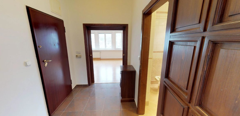 NL-REAL-ponuka-na-predaj-VELKY-2-izbovy-byt-v-UPLNOM-CENTRE-HURBANOVO-NAMESTIE-03162018_162027