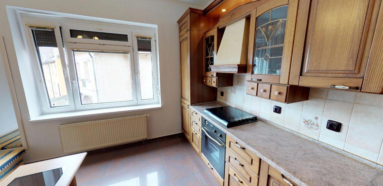 NL-REAL-ponuka-na-predaj-VELKY-2-izbovy-byt-v-UPLNOM-CENTRE-HURBANOVO-NAMESTIE-03162018_162101