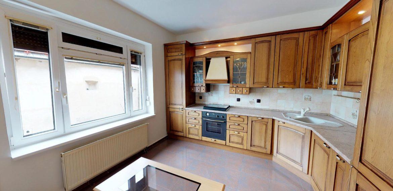NL-REAL-ponuka-na-predaj-VELKY-2-izbovy-byt-v-UPLNOM-CENTRE-HURBANOVO-NAMESTIE-03162018_162204
