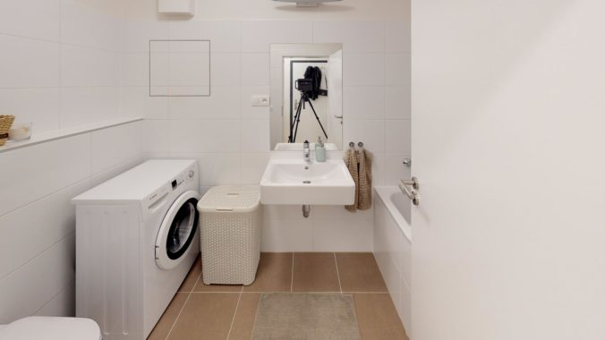 3D-PREHLIADKA-2-izb-SLNECNICE-PETRZALKA-Bathroom
