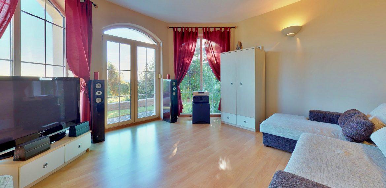 Nitra-Bedroom(5)