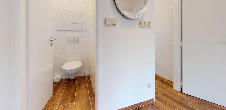 Ladzianskeho-Bathroom