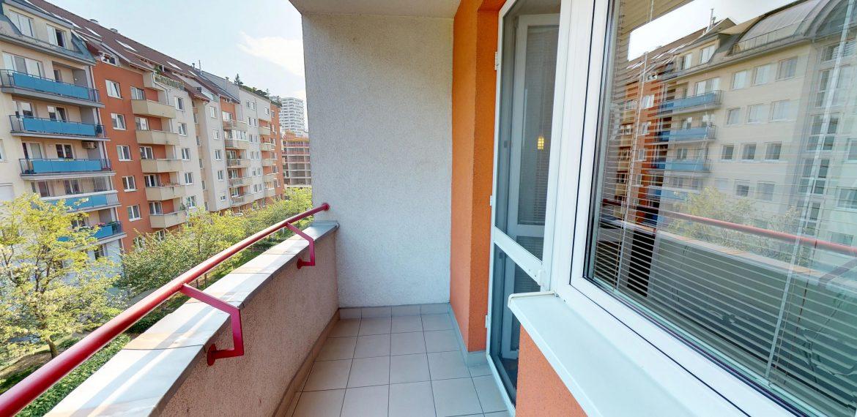 3-izbovy-SUSTEKOVA-ulica-PETRZALKA-NA-PRENAJOM-05032018_001226