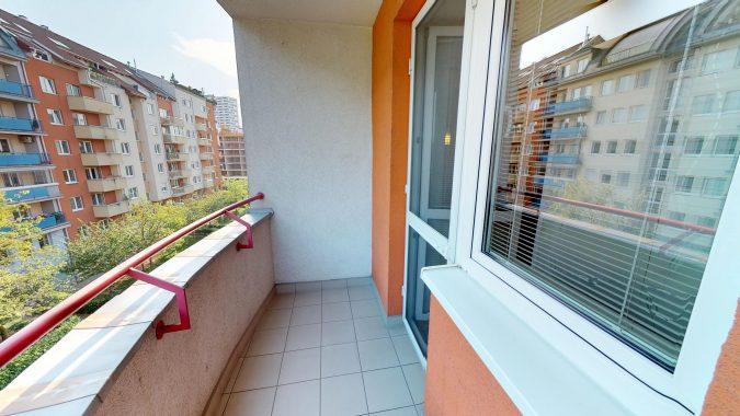 3-izbovy-SUSTEKOVA-ulica-PETRZALKA-NA-PRENAJOM-05032018_001244