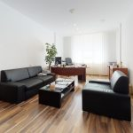 3D-OBHLIADKA-Namestie-1-maja-PRIESTOR-S-INVESTICNYM-POTENCIALOM-Living-Room