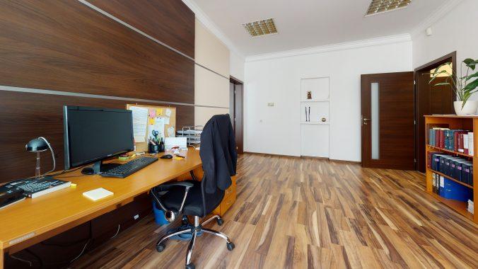 3D-OBHLIADKA-Namestie-1-maja-PRIESTOR-S-INVESTICNYM-POTENCIALOM-Office(1)