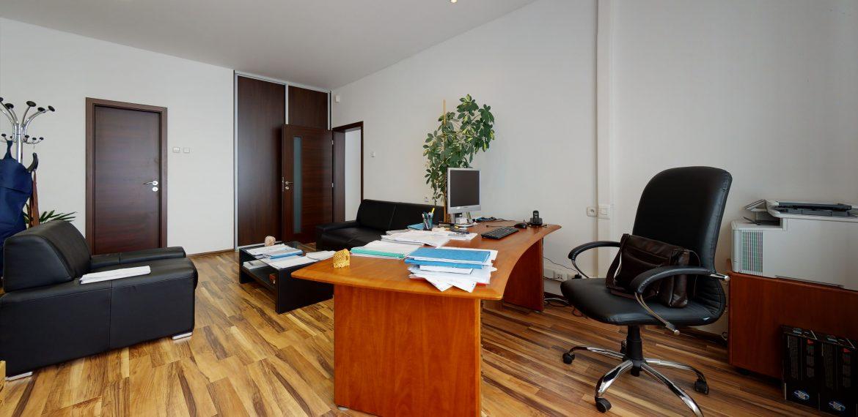 3D-OBHLIADKA-Namestie-1-maja-PRIESTOR-S-INVESTICNYM-POTENCIALOM-Office(2)
