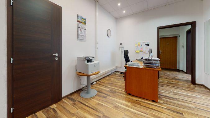 3D-OBHLIADKA-Namestie-1-maja-PRIESTOR-S-INVESTICNYM-POTENCIALOM-Office(5)